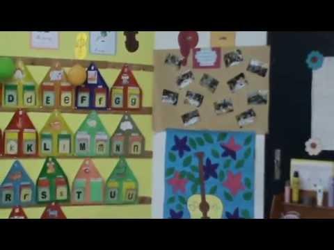 Classe de la moyenne section youtube - Decoration classe petite section ...