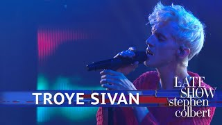 Troye Sivan Performs 'Animal'