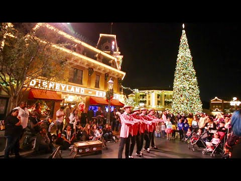 Disneyland Christmas Time 2018 Has Begun ! DCA Festival Of Holidays / Seasonal Parade & Attractions