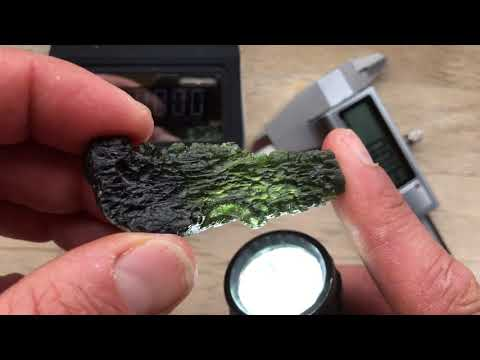 In-Depth Overview Of A Real Czech Moldavite Drop-Shaped Meteorite (Weighed, Measured + Description)