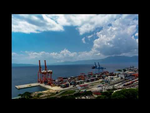 "Evergreen ""Ever Salute"" timelapse  Rijeka Harbour - Croatia"