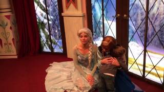 Anna and Elsa character meet at Disneyland