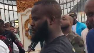 Lovely Entry Of Davido & Chioma's Arrival at the Ooni Of Ife Palace with massive crowd