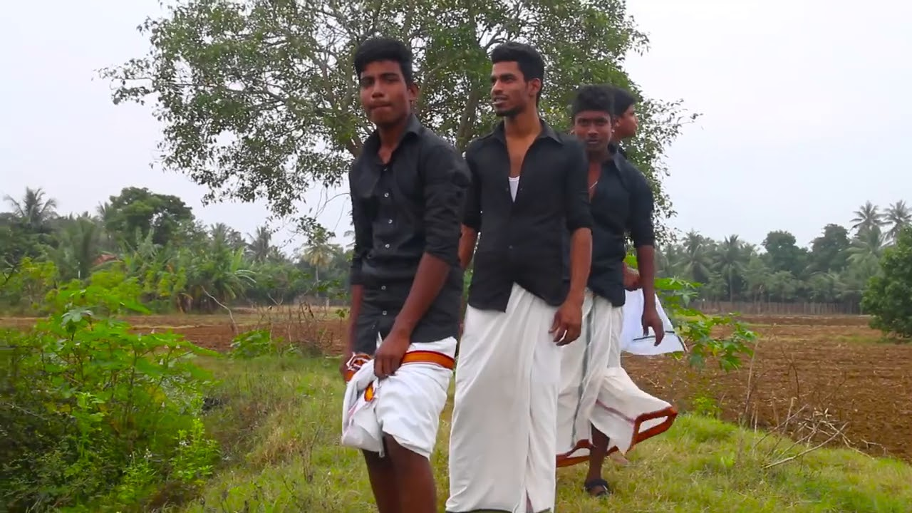 Download kudikaran Petha Magale video song