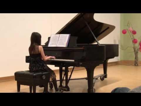 Abigail Goblick plays Kinderszene 1 & 2, Schumann