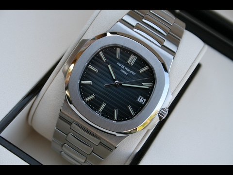 9101e4d5615 The beauty of Patek Philippe Nautilus 5711/1A-010 Blue Dial 40 mm Stainless  Steel luxury watch
