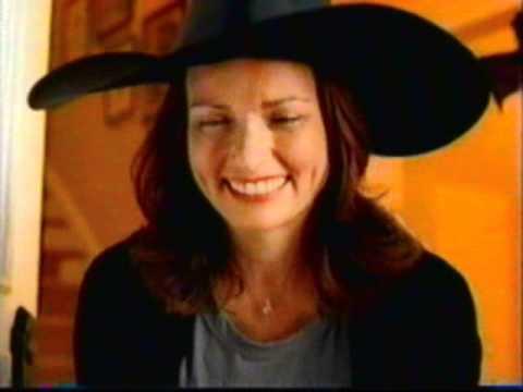 kit kat halloween commercial 2010 - Walmart Halloween Commercial