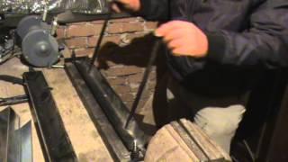 как правильно гнуть жесть(в видео показано как работает листогиб сделанный своими руками., 2013-12-22T08:26:21.000Z)