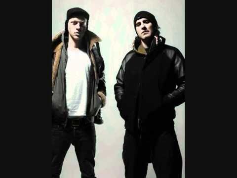 UNKLE feat. Liela Moss- Mayday