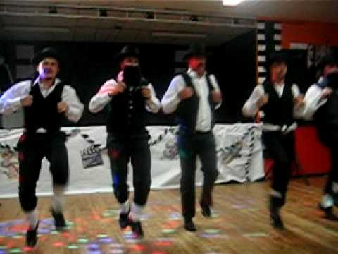 Court extrait de parodie de la danse juive de rabbi jacob for Dans rabbi jacob