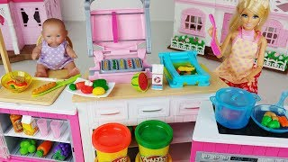 Baby Doll kitchen and play doh cooking Barbie toys play story - ToyMong TV 토이몽
