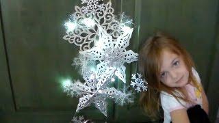 Craft DIY :Snowflake Lighted Door Decor / Dollar Store / Cup n Cakes Gourmet