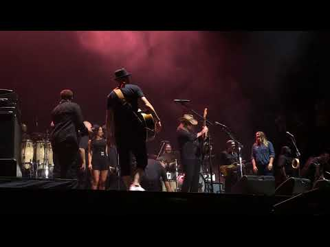 Justin Timberlake and Chris Stapleton  Pilgrimage Music Festival 2017 Tennessee Whiskey