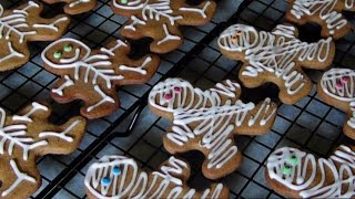 Gingerbread Mummies & Skeletons For A Gluten Free Halloween