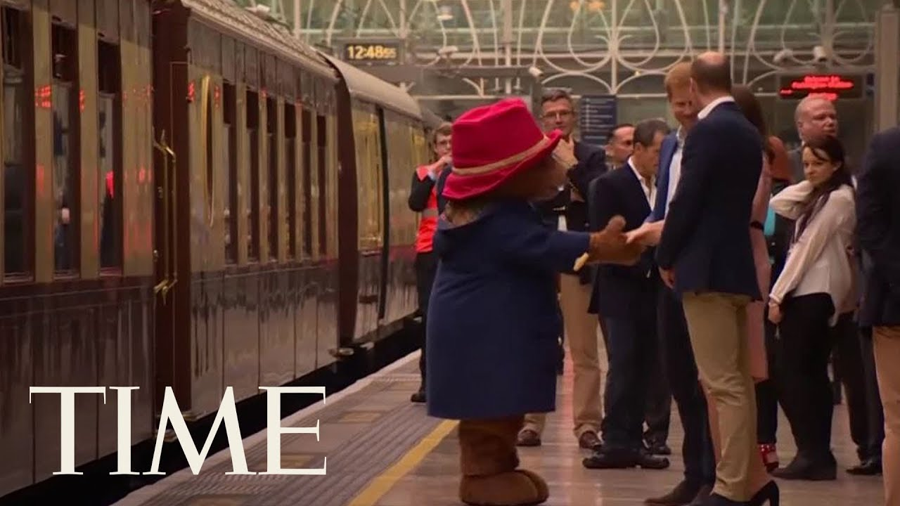kate-middleton-dancing-with-paddington-bear-is-here-so-you-can-start-the-week-off-right-time