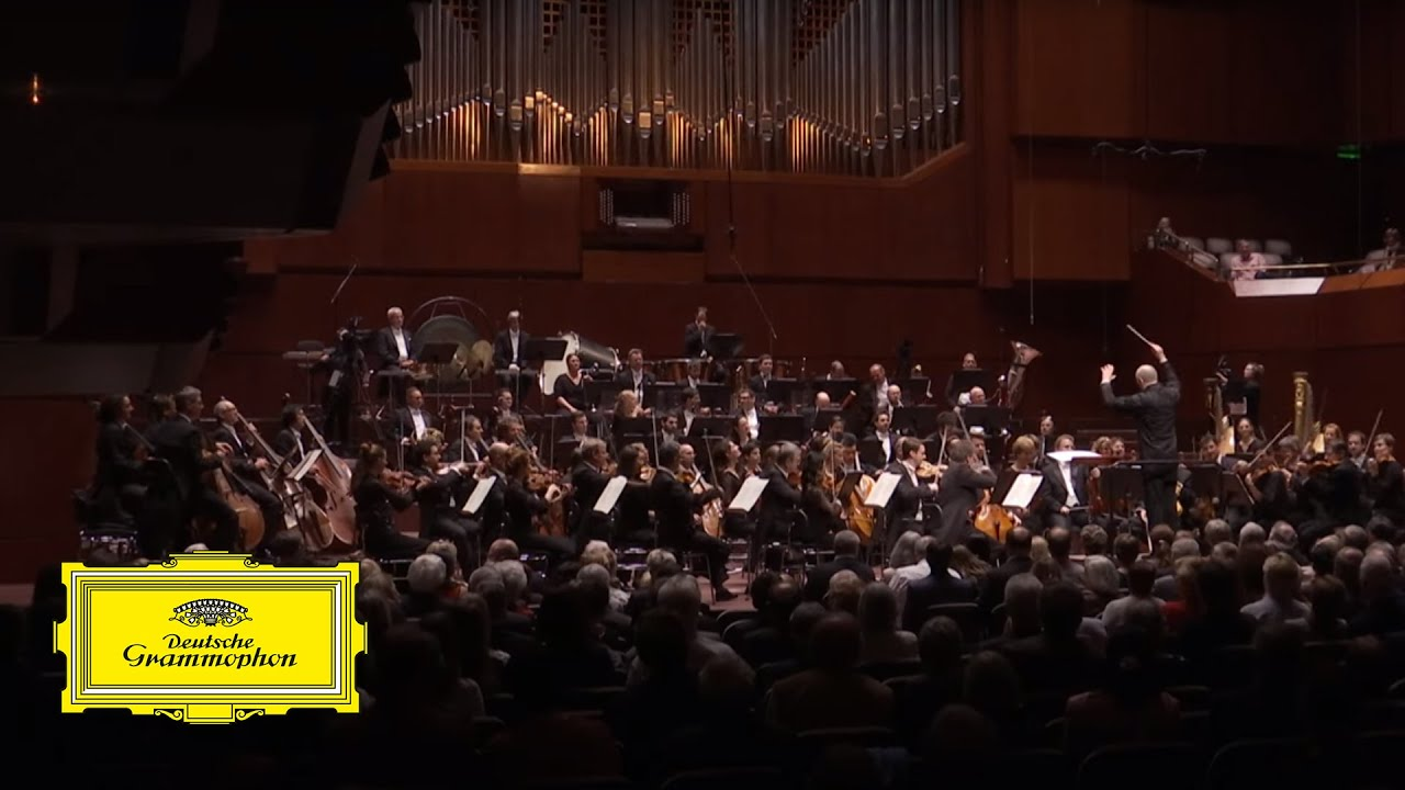 Paavo Järvi & Frankfurt Radio Symphony – Schmidt: Intermezzo Notre Dame