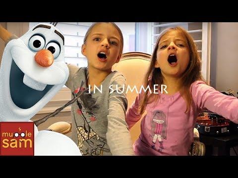 IN SUMMER - OLAF'S FROZEN SONG 🎵 10-Year-Old Sophia and 8-Year-Old Bella