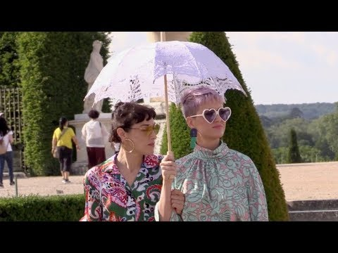 EXCLUSIVE : Katy Perry visiting the Chateau de Versailles