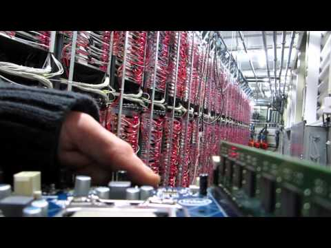 OVH COM : in the eyes of a OVH server - YouTube