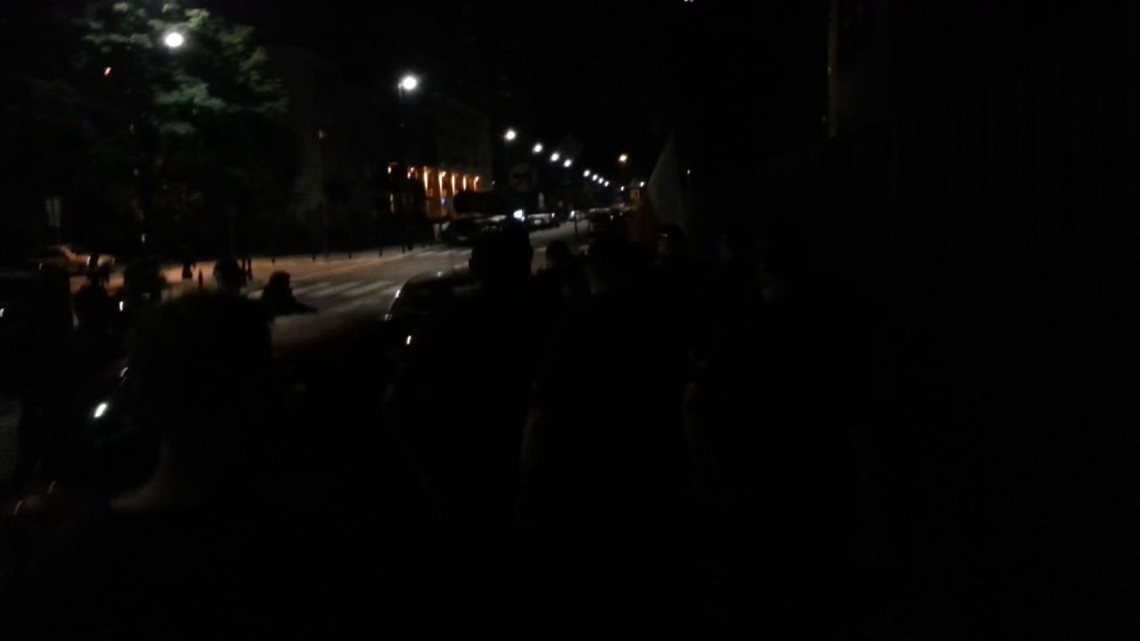 """Atak na posła Jakubiaka. Tak działają """"obrońcy demokracji"""""""