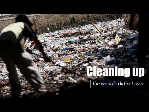 Live: Cleaning up the world's dirtiest river一起来围观印尼政府如何净化世界上最脏的河流