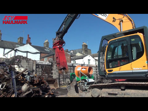 anglian-demolition-&-asbestos-ltd-using-oilquick-quick-couplers