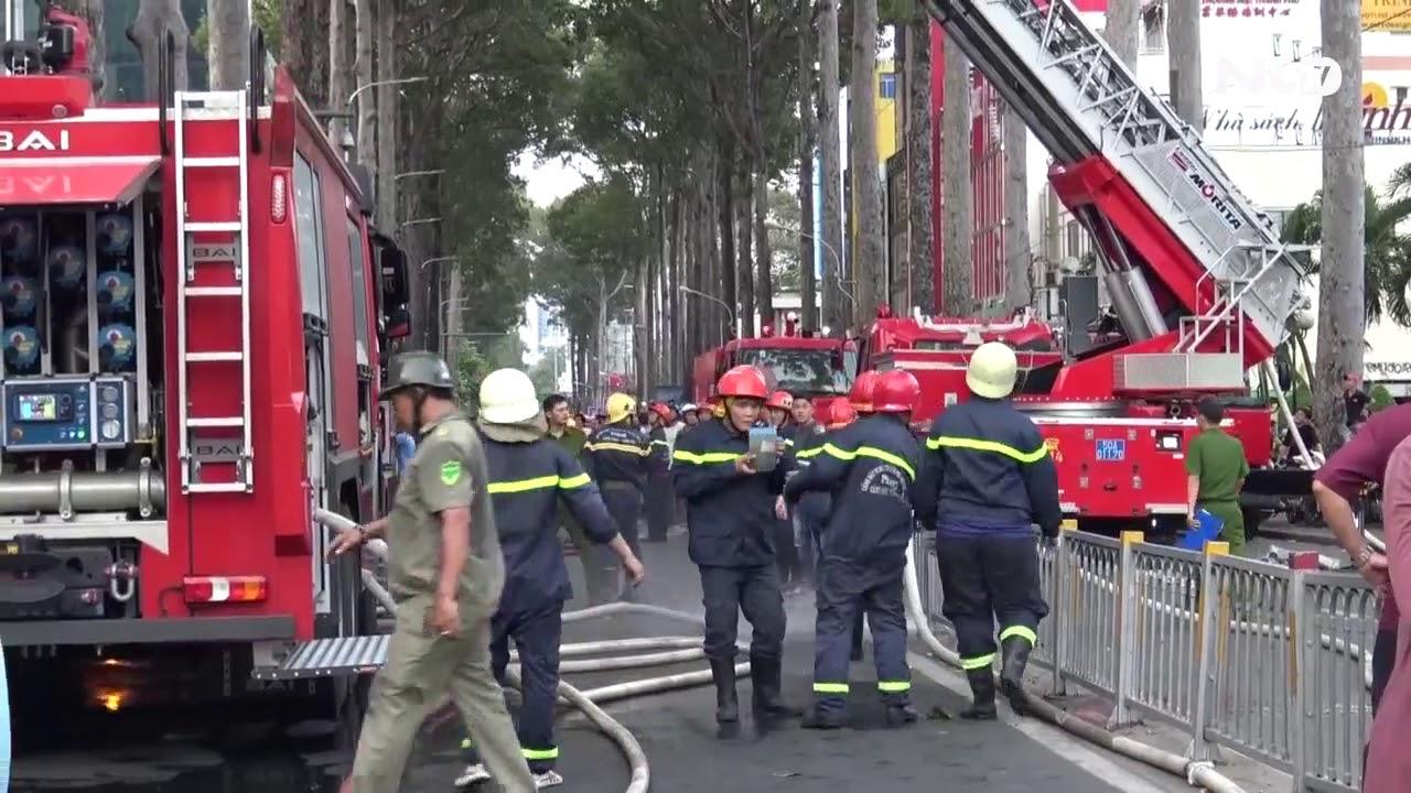 Cháy nhà cao tầng giữa trung tâm TP HCM | NLĐTV