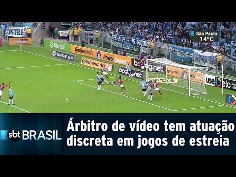 Árbitro de vídeo tem atuação discreta em estreia na Copa do Brasil | SBT Brasil (02/08/18)