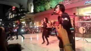 Killing Me Inside - Melangkah (Vira Version) Live at Summarecon Bekasi Clothing 2015