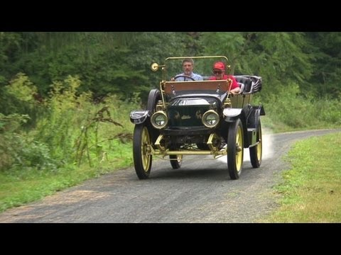 Driving a 100 year-old steam car