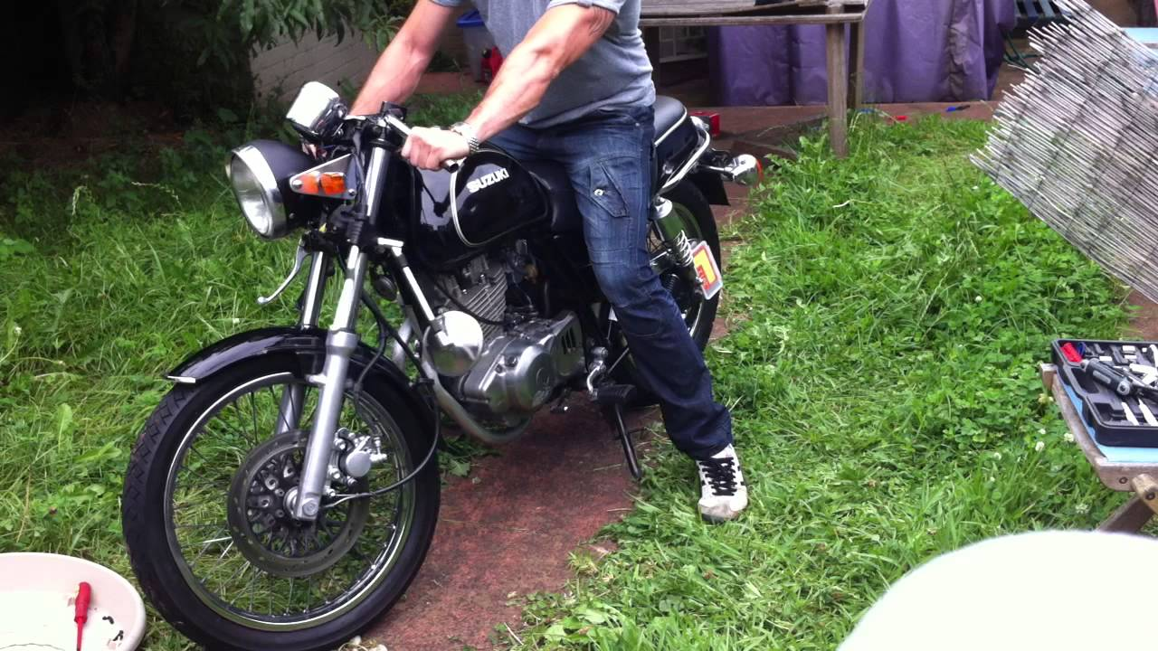 Testing Reversed Handlebars On A Suzuki Tu250x Cafe Racer