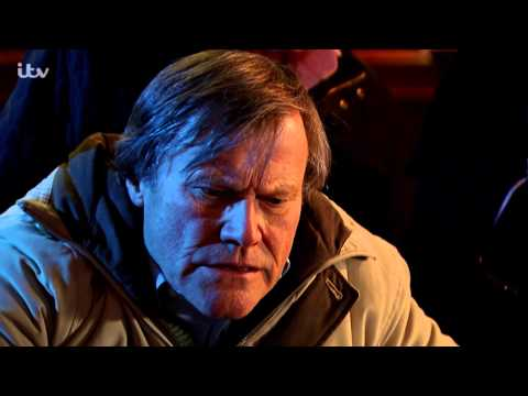 Roy Puts His Maths Skills To Good Use In The Casino - Coronation Street
