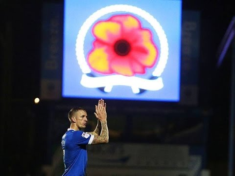 Highlights: Portsmouth 4-0 Mansfield Town