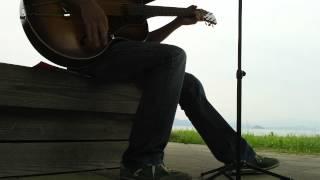湖をバックに歌ってみました(^^)