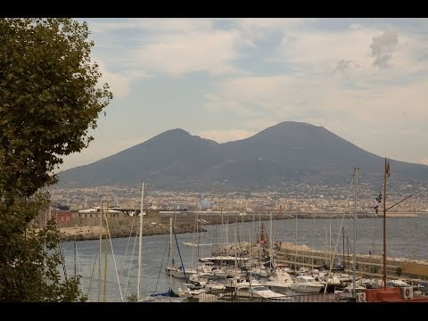 Travel guide to Naples top 5 must see attractions