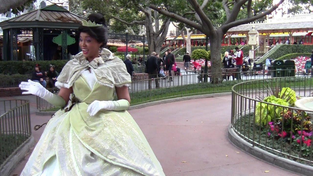 Disney Princess Tiana At Disneyland Meet And Greet Youtube