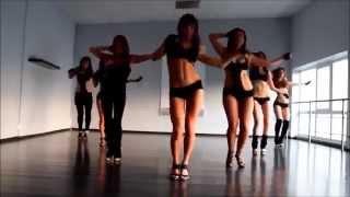 Красивые девушки танцуют стрип денс.  Девушки стрип классно танцуют