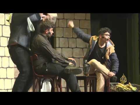 -سأخون وطني-.. مسرحية طلابية تثير قضايا عربية عدة  - 12:21-2017 / 4 / 25