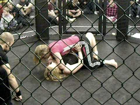 wrestling Francesca le