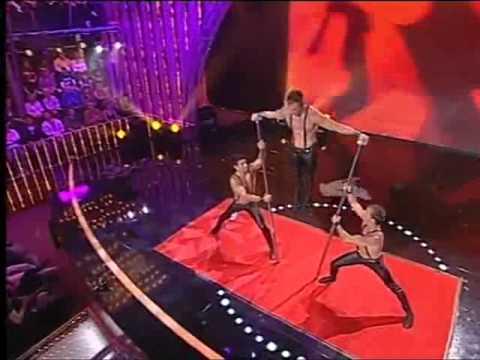 Special bars act by trio Aeroflot 574 / www.maximaaa.com