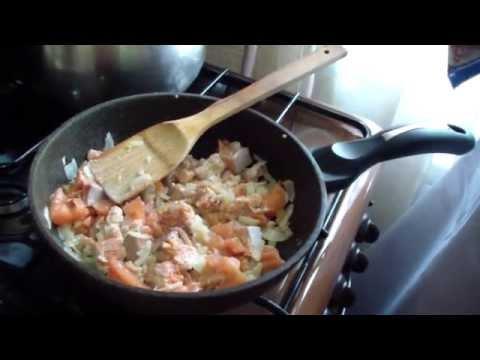Фетучини с красной рыбой в сливочном соусе