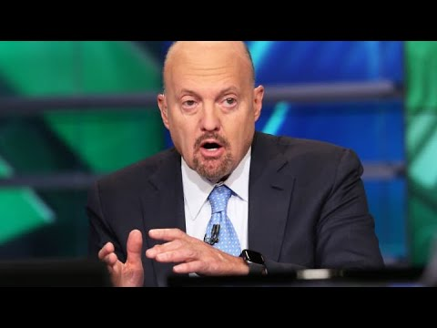 Jim Cramer reacts to Cathie Wood's comments that tech pullback is unconcerning