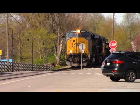 ᴴᴰ CSX Trains Street Running | LaGrange, KY | April 9, 2017