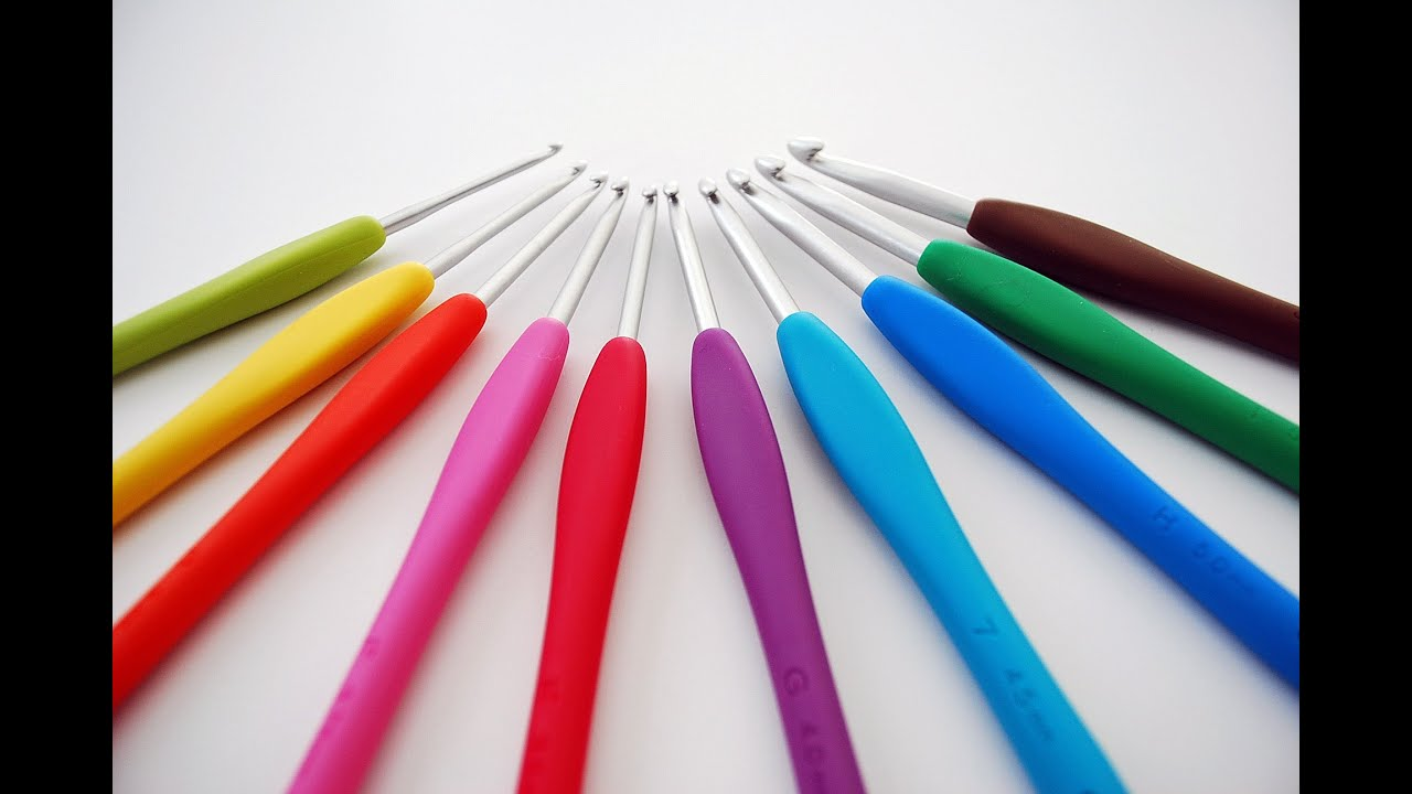 Clover Amour Crochet Hooks Review Youtube