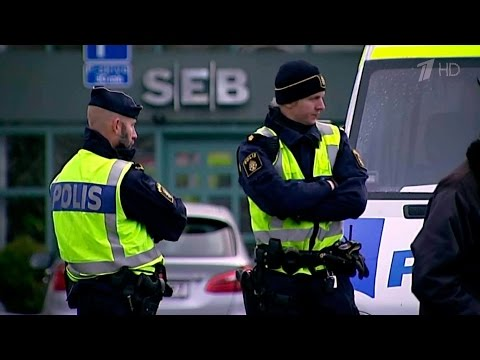 В Швеции 15-летний мигрант набросился с ножом на соцработницу.
