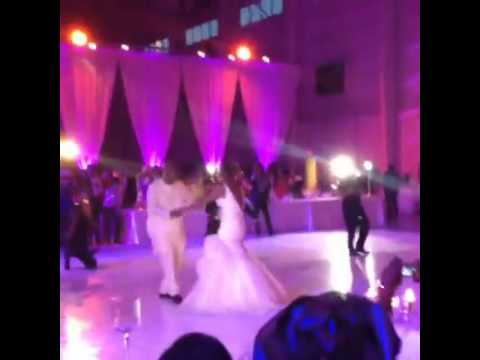 DAVIDO SINGS 'GOBE' AT SISTER'S WEDDING IN MIAMI