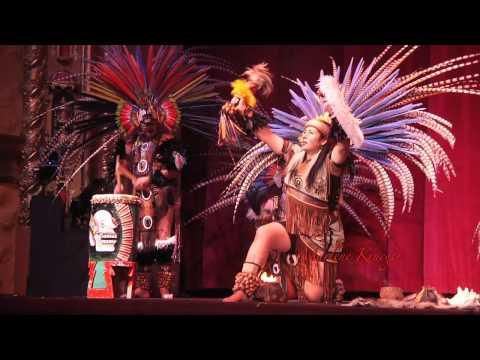 Yaocuauhtli Danza Cultural traditional Aztec dancers - Long