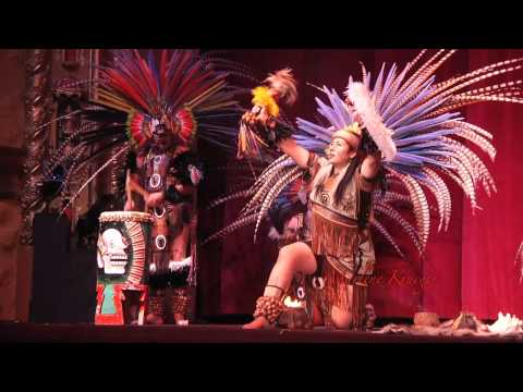 Yaocuauhtli Danza Cultural traditional Aztec dancers - Long