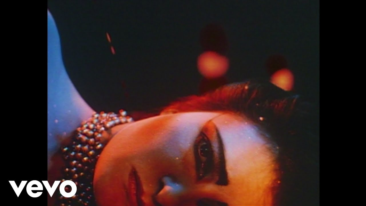 3/15: (1) Siouxsie and the Banshees vs (5) Cocteau Twins