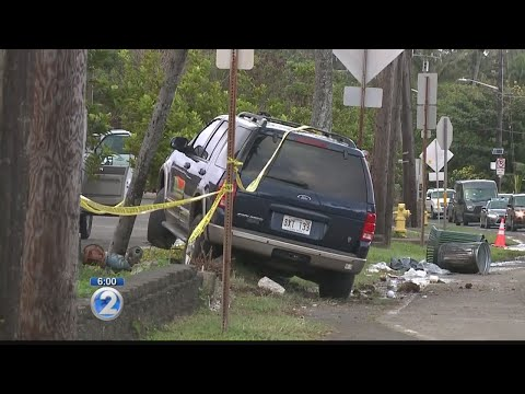 Deadly crash at bus stop in Hauula